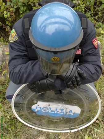 celerino-casco-polizia-reparto-mobile