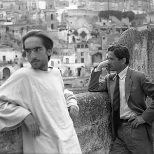 "P.P.Pasolini dal set ""Il Vangelo secondo Matteo""/P.P.Pasolini from the ""The Gospel according to Matthew"" movie set"